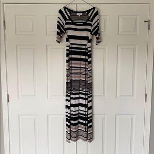 Jessica Simpson Maxi Maternity Dress w/ Tie - S